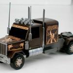 Camión americano con frontal inédito