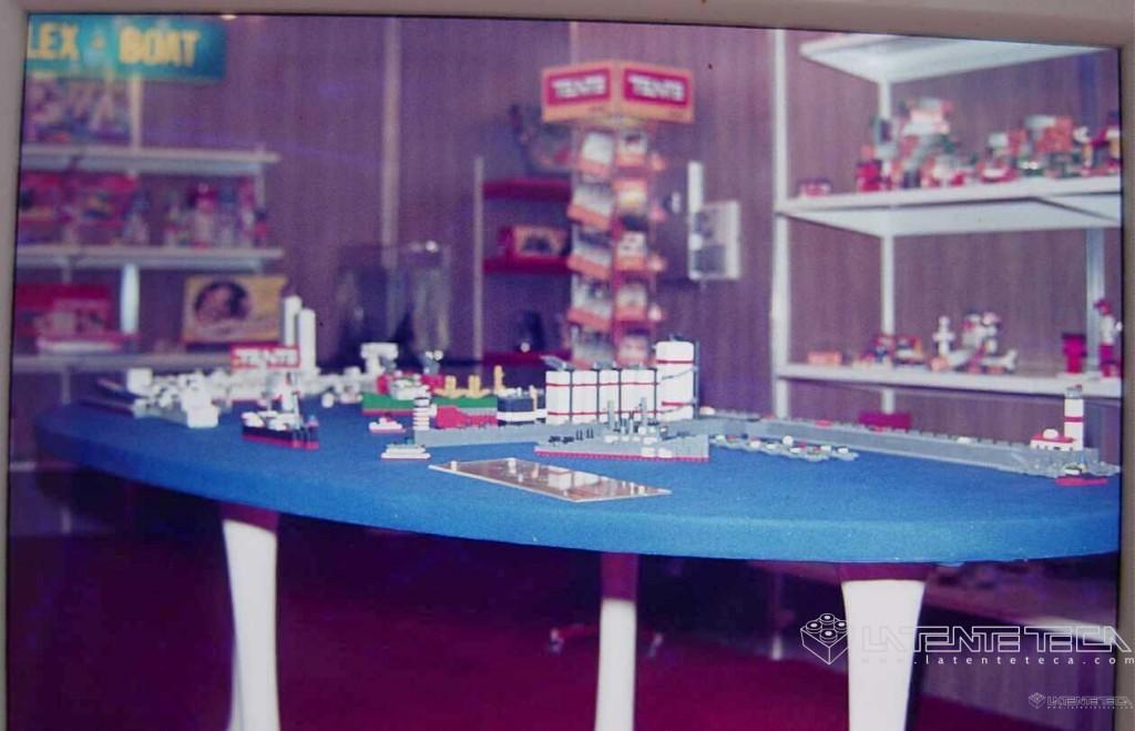 Sala de exposición con productos Exin